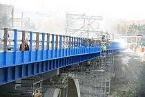 Před jedenácti lety se opravoval velký silniční most v Sokolově, který vede nad řekou Ohří.