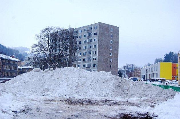 Sněhové bariéry v Kraslicích.