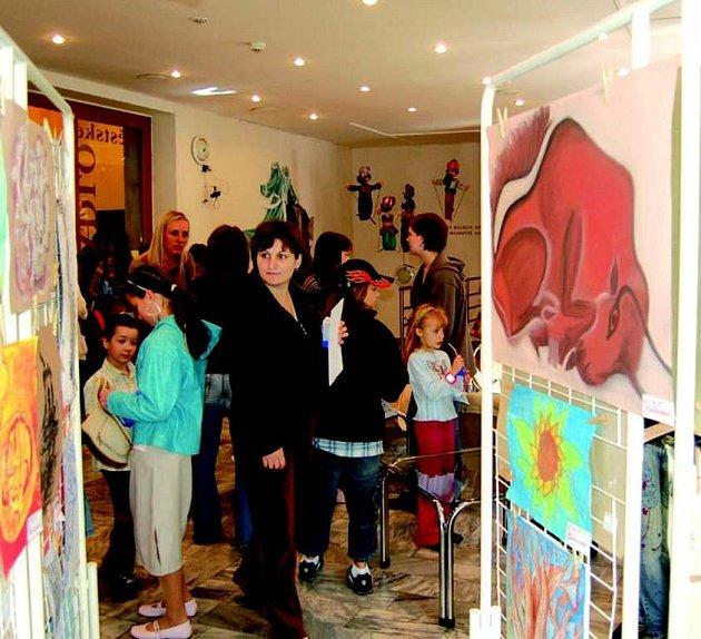 V Hornickém domě v Sokolově byla zahájena přehlídka výtvarných prací žáků základních uměleckých škol na Sokolovsku