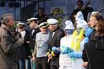 Při první plavbě jsou masky vítány. Jejich vyhodnocení jak v dětské, tak dospělé kategorii nechybělo ani při Odemykání Ohře.
