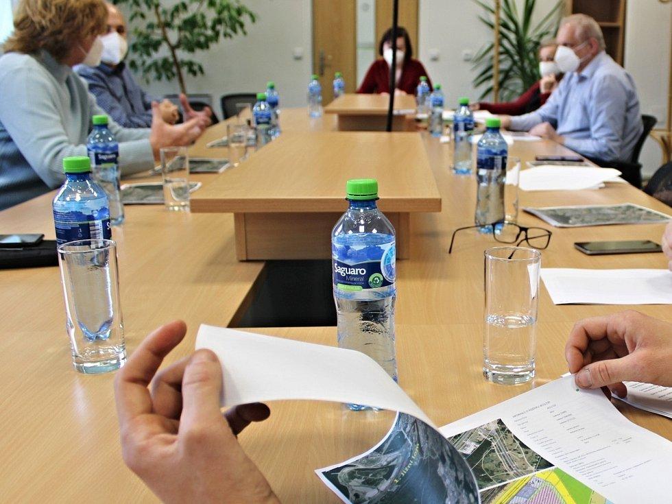 Jednání na sokolovské radnici.