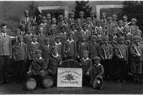 KLIEWERTHOVA dětská kapela vyhrávala v Lánech T. G. Masarykovi a prezidentu Benešovi.