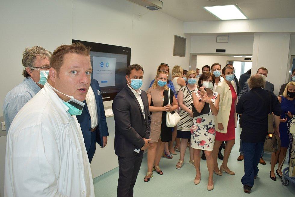 Nemocnice má nové operační sály. Nechybí moderní technologie.