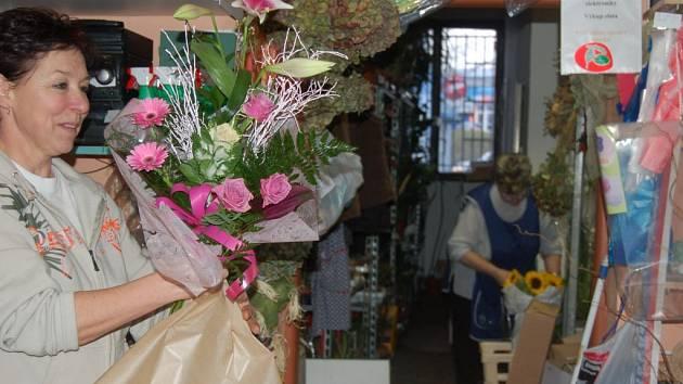 V neděli oslaví svátek maminky. Některé květinářství na Sokolovsku budou mít proto v tento den otevřeno.