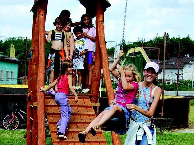 Nová lanovka děti nadchla.