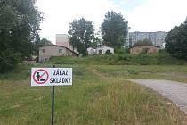 Pozůstatky sokolovských kasáren před demolicí.