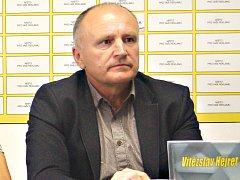 Sportovní ředitel FK Baník Sokolov Vítězslav Hejret povede po zbytek jara sokolovský druholigový A - tým jako trenér.