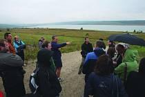 NA SNÍMKU jedna z letošních ekologických exkurzí v okolí jezera Medard poblíž Svatavy.