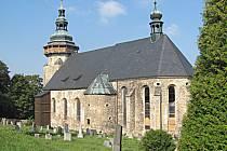 Kostel sv. Jiří prochází postupnou obnovou. Letos byly zrestaurovány čtyři vitráže z celkových čtrnácti.