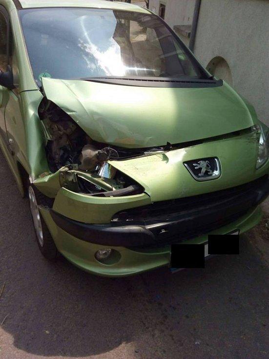 Hasiči vyjeli hned k šesti nehodám.