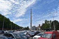 Po 104 letech přestanou v sokolovské chemičce topit uhlím. Sokolům komín zůstane