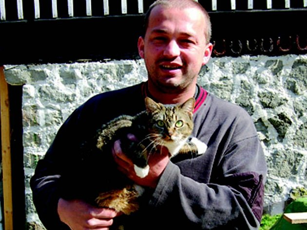 David Hrbáček bude toulavé kočky i odchytávat.