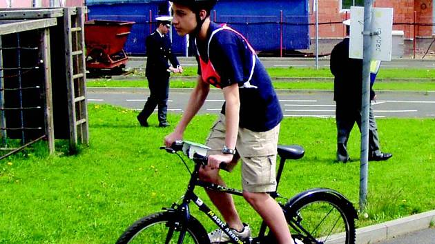Pravidelné soutěže pro cyklisty pořádá sokolovský dům dětí a mládeže