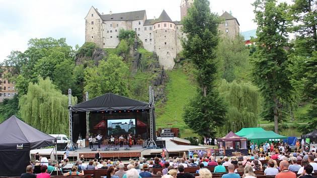 V amfiteátru je připravena Beatová síň slávy a rovněž divadelní představení.