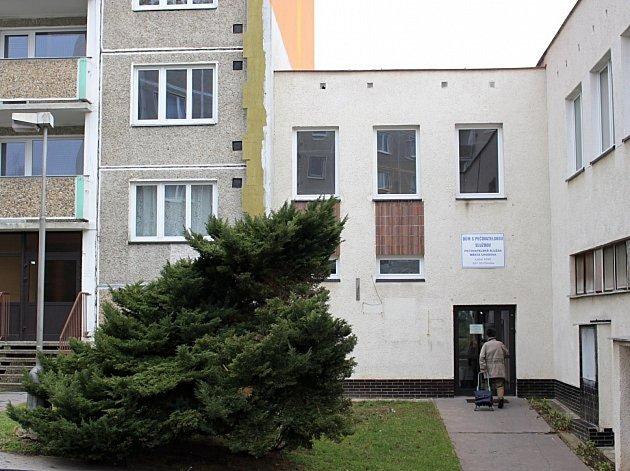 Dům s pečovatelskou službou v Chodově.