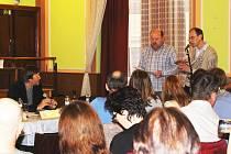 S připomínkami během veřejného projednávání záměru vystoupili i starosta Krásna Josef Havel (vlevo) a místostarosta Martin Pribol.