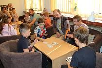 První letošní akcí byl v knihovně turnaj v Prší.