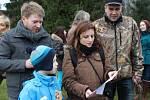 Krmení lesní zvěře a zpívání koled na Aschbergu.