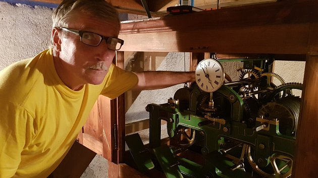 O kostelní hodiny ve Stříbrné se Bohumír Břehovský stará více než rok