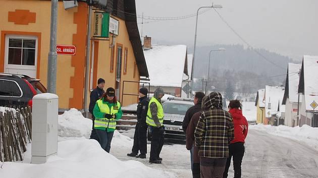 Dění u Slovanského domu a v okolí Rotavy monitorovala policie i antikonfliktní tým.