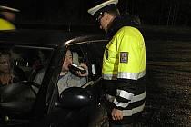 Policejní kontrola na R6.
