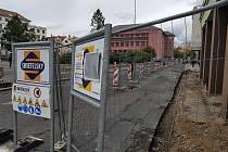 Oprava chodníku na sokolovském náměstí Budovatelů