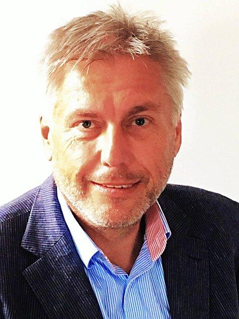 Nemocnice vSokolově má od 1.srpna nového ředitele, stal se jím Ing. Jaroslav Kratochvíl.