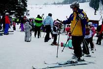 SKIAREÁL v Bublavě se těší stále větší oblibě vyznavačů zimních sportů.