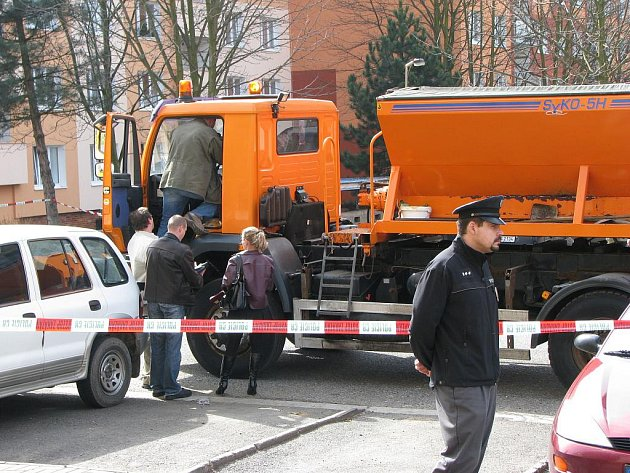 Střelba v Šabinského ulici v Sokolově.