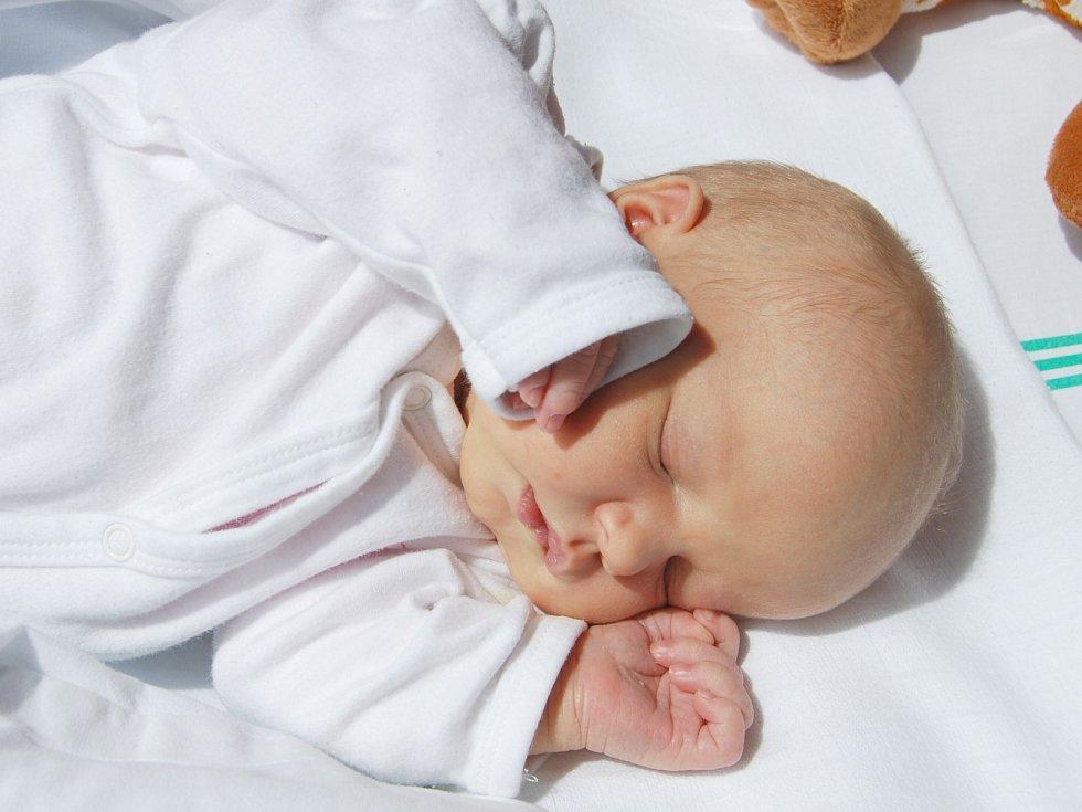 ADÉLKA BALADOVÁ z Bukovan se narodila 27. května