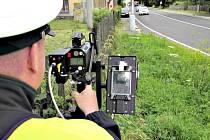 PŘEKROČENÍ POVOLENÉ rychlosti je nejčastějším prohřeškem řidičů v Karlovarském kraji. Ukazují to výsledky letních dopravně bezpečnostních akcí policie.