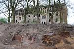 Ruina, která půjde do konce června k zemi