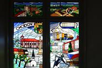 Vitrážové okno s motivy Chodova v německém Oelsnitz.