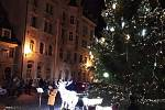 Rozsvícení stromu v Lokti na první adventní neděli.