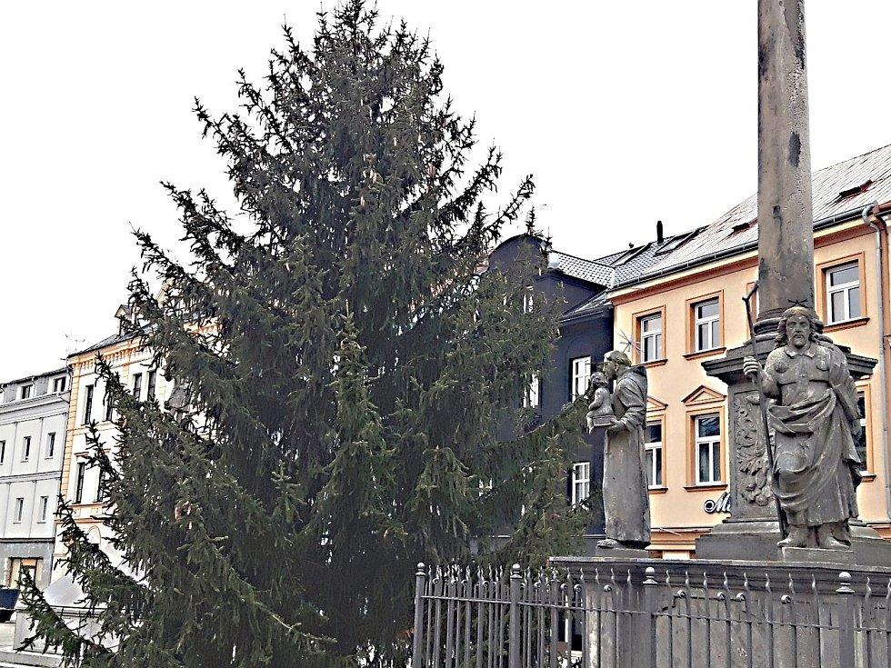 Sokolov, Staré náměstí