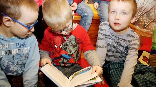 SOUTĚŽNÍ projekt má děti přimět sebrat odvahu a číst na veřejnosti. Díky němu se mohou také seznámit se současnou literaturou pro svou věkovou kategorii.