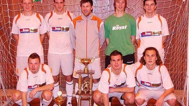Vítězné družstvo sokolovské Materie