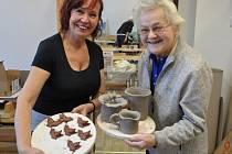 Senioři absolvovali i řadu výtvarných a keramických dílen.