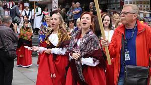 Folklorní festival roztančil Karlovy Vary