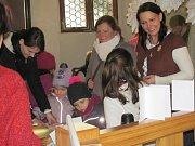 Děti se zabavily v andělských dílnách.