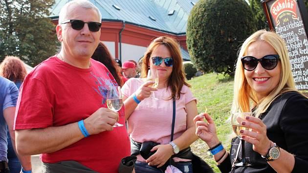 Vinobraní v Lokti je vyhledávanou akcí.