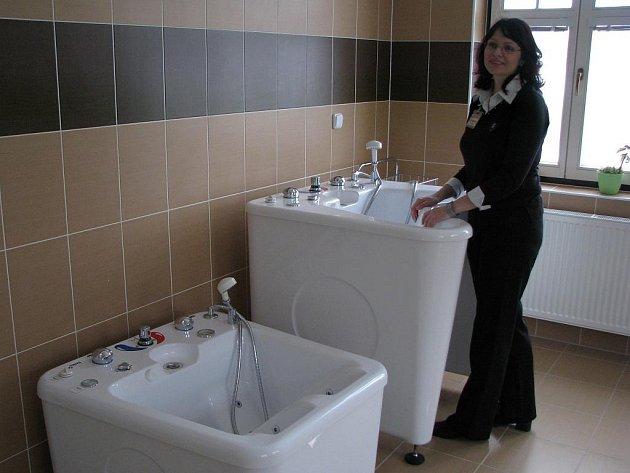 KLIENTI DOMOVA mají k dispozici moderně vybavené sociální zařízení a místnosti pro rehabilitace.