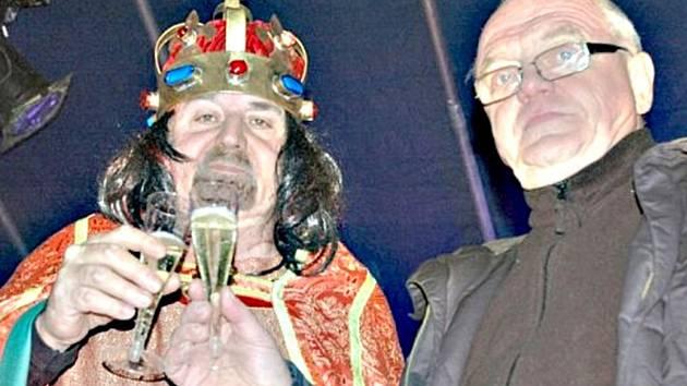 Při prvním ročníku silvestru v přírodním divadle se připomínalo výročí Karla IV.