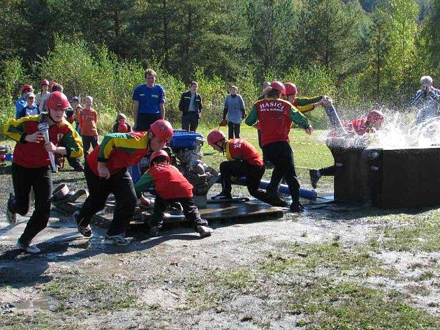 Družstvo mladých hasičů z Horního Slavkova si kolo před koncem ligy zajistili celkové vítězství v letošním ročníku.