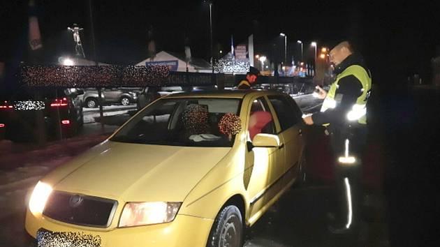 Při akci bezpečná lokalita zkontrolovali policisté desítky vozidel.