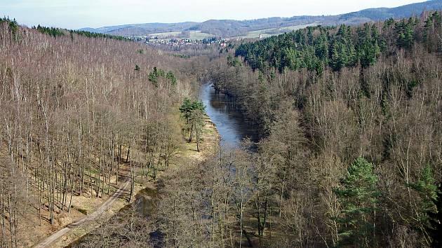 Údolí Ohře u Sokolova.