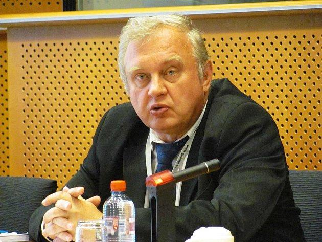 EUROPOSLANEC Miloslav Ransdorf.