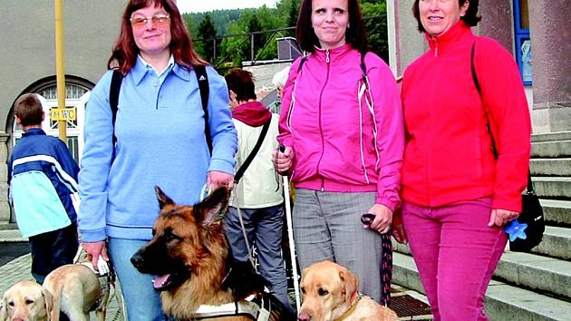 Setkání držitelů vodících psů v Kraslicích.