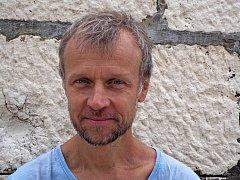Martin Reiner přijel do Chodova v rámci projektu Spisovatelé do knihoven.