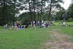 Vegetariánský piknik se konal u kynšperské lávky již potřetí.